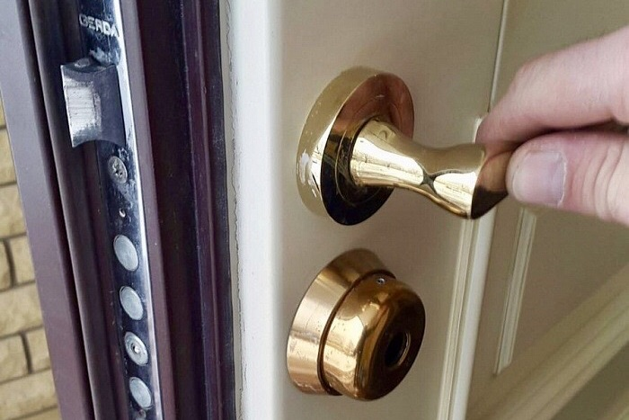 Ремонт двери Герда