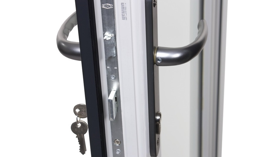 Установка замка двери ПВХ в Самаре