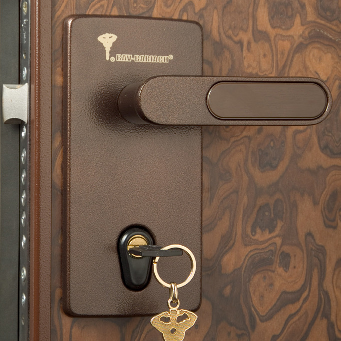 Взлом дверей Mul-t-lock