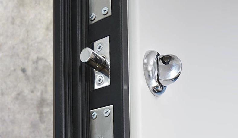 Замена дверной задвижки в Самаре