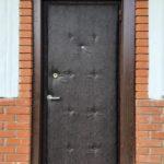 Обновление обивки двери