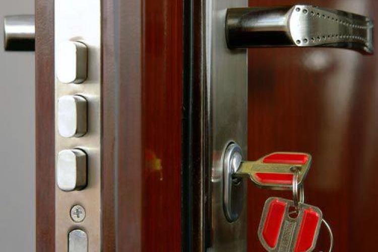 Установка дверных замков MasterLock в Самаре