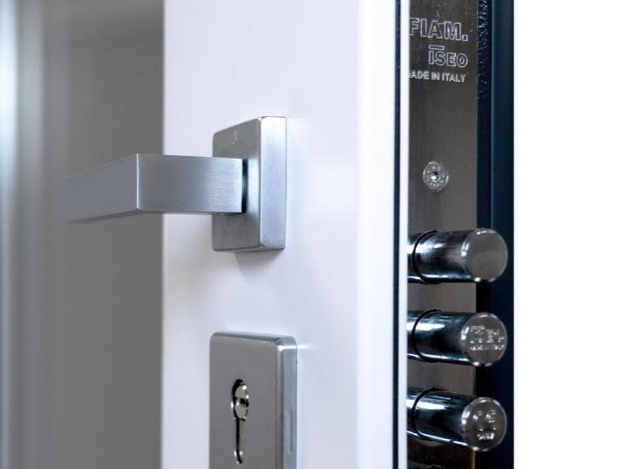 Замена дверного замка ISEO в Самаре