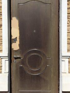Замена накладки МДФ на металлической двери