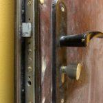 Замена обивки двери и двух замков