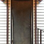 Замена обивки двери с внешней стороны
