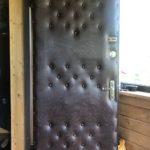 Замена обшивки двери с рисунком