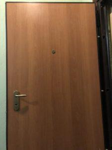 Замена панели МДФ с внутренней стороны двери
