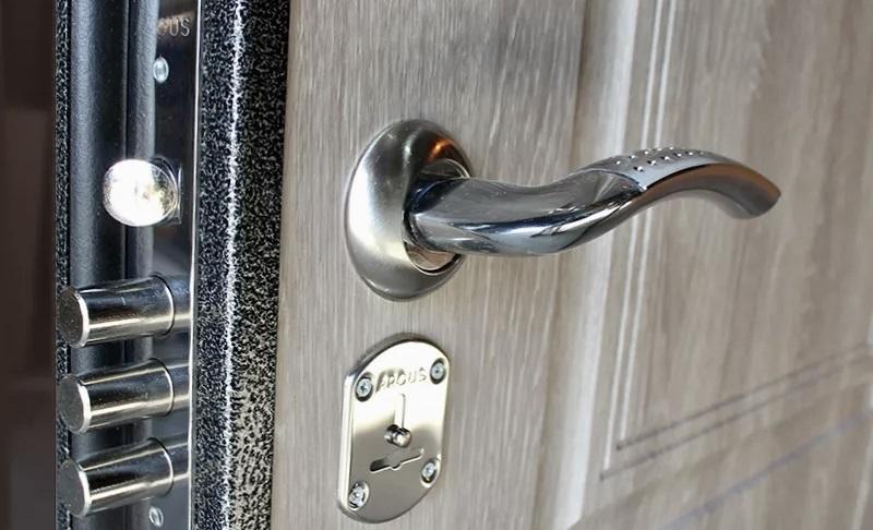 Ремонт входной двери Аргус в Самаре